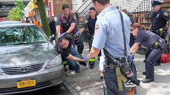 """พบ 25 ชาวนิวยอร์ก เสพกัญชาสังเคราะห์ """"K2"""" ทำไร้สติราวเป็นซอมบี้"""