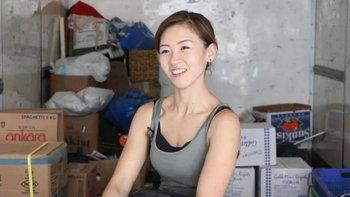 ขโมยหัวใจชาวเน็ต...เผยภาพสาวพนักงานขนของที่จีน สวย-เก่ง-เท่