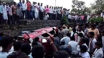 หนุ่มวิศวกรกูเกิลให้ช็อกโกแลตเด็กอินเดีย ถูกเข้าใจผิดเป็นแก๊งค้ามนุษย์ ถูกรุมตีตาย