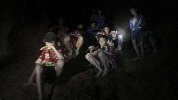 """นักข่าวสหรัฐชมทีมหมูป่า """"โคตรไทย"""" ติดถ้ำ 10 วัน แต่ยังสุภาพ-สร้างมิตรภาพได้"""