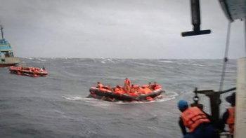 ผู้ว่าฯ ภูเก็ตออกประกาศ สั่งห้ามเผยแพร่ภาพ-คลิปเรือล่ม