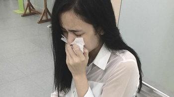 """""""เบนซ์ ปุณยาพร"""" ร้องไห้กลางโรงพยาบาล เพราะกลัวตาบอด"""