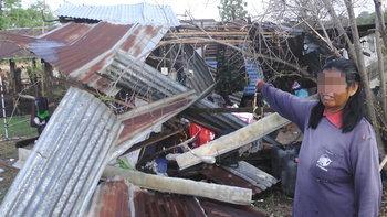 พายุซัดบ้านพังยับ 50 หลังคาเรือน-นอภ.ด่านขุนทดเร่งช่วยเหลือราษฎรหวั่นเกิดเหตุซ้ำ