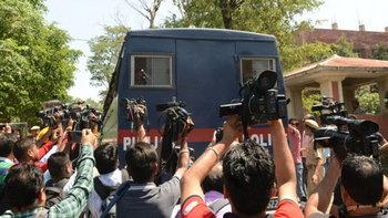 6 ทรชนอินเดียข่มขืนฆ่าเด็กหญิง 8 ขวบ รอดโทษประหาร