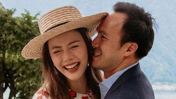 """""""เก๋ ชลลดา"""" ถูก """"ไฮโซพร้อม"""" เซอร์ไพรส์ขอแต่งงาน บ่มรัก 9 ปี ตอนนี้สุกงอมแล้ว"""