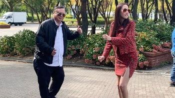 """นานๆ ได้เห็นภาพนี้ """"อั้ม พัชราภา"""" เต้นริมถนนกับคุณพ่อสุดน่ารัก (มีคลิป)"""