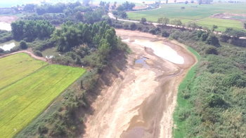 แม่น้ำยมแล้งหนัก ชาวบางระกำต้องเจาะบ่อบาดาลหาน้ำเข้านา