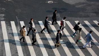 เกินไปไหม? บริษัทจีนสั่งปรับเงินพนักงาน เดินไม่ถึง 180,000 ก้าวต่อเดือน