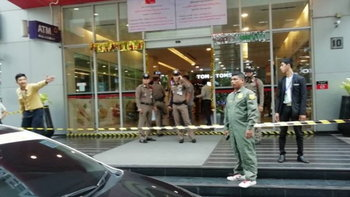 ดาบตำรวจเข้ามอบตัว หลังยิงสังหารโหดชายฝรั่งเศส ดับคาคอนโด สุขุมวิท 13