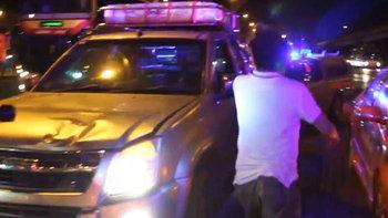 หนุ่มร่ำไห้! ทะเลาะแฟนสาว-จอดรถให้ลงกลางถนน ย้อนกลับมาดูพบถูกรถชนดับคาที่