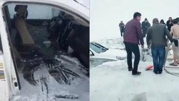 สามพ่อแม่ลูกขับรถเล่นบนผิวน้ำแข็ง สุดท้ายจมวารีเย็นเฉียบ หวิดดับยกครัว
