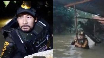 """""""บิณฑ์-เอกพันธ์"""" ทุ่มสุดตัวลุยน้ำเชี่ยว ลงพื้นที่ช่วยเหลือผู้ประสบภัยน้ำท่วม"""
