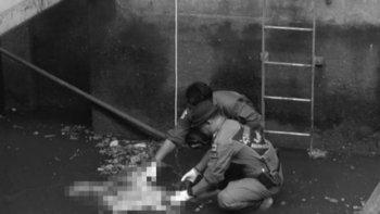 สยอง พบศพชายครึ่งท่อนลอยติดใต้สะพาน BTS ตากสิน ยังไม่พบอวัยวะท่อนล่าง