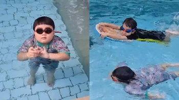 """""""สายฟ้า-พายุ"""" แข่งกันว่ายน้ำ โชว์ลีลาสุดพลิ้ว ถึงตัวจะกลมแต่เก่งมากจริงๆ"""