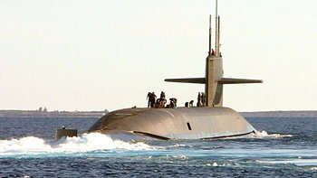 เรือดำน้ำสหรัฐชนเข้ากับวัตถุปริศนาในทะเลจีนใต้ ลูกเรือบาดเจ็บ 11 ราย