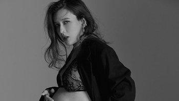 """""""บี มาติกา"""" อุ้มท้อง 9 เดือน ถ่ายรูปก่อนคลอด คุณแม่สวยเท่แถมเซ็กซี่มาก"""