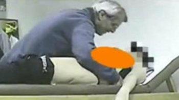 คลิปจับผิด! หมออิตาลีลวนลามคนไข้ในคลีนิก