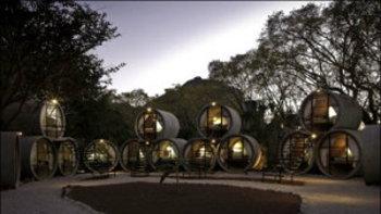 ไอเดียเจ๋ง! โรงแรมรีไซเคิลสร้างจากท่อระบายน้ำ