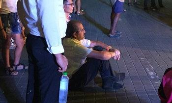คนเมืองคอนประทับใจ จิมมี่ ชวาลา เศรษฐีติดดินนั่งพื้นดูหนังตะลุง