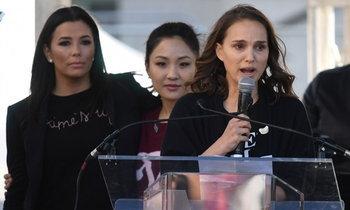 """สาวอเมริกันนับแสน รวมพลังหญิงชุมนุมประท้วงต่อต้าน """"ทรัมป์"""""""
