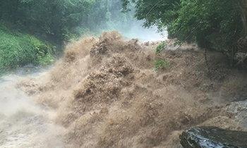 น้ำป่าไหลหลากแม่ฮ่องสอน ชาวเขาถูกน้ำซัดหาย 2 คน