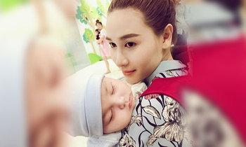แซนวิช แซวลูกชาย น้องลีออง แก้มยุ้ยนอนซบไหล่