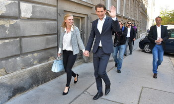 โฉมหน้าแฟนสาว เซบาสเตียน คูร์ซ ผู้นำสุดหล่อของออสเตรีย