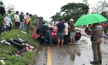 ทางหลวง ยืนยัน เหตุ BMW Z4 พุ่งชนเก๋ง ดับ 3 ศพ ไม่เกี่ยวกับสภาพถนน