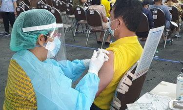 กรมวิทย์ฯ เผยพบคนไทยแค่ 1 ใน 5 ล้าน เกล็ดเลือดต่ำหลังฉีดวัคซีนแอสตร้าเซนเนก้า