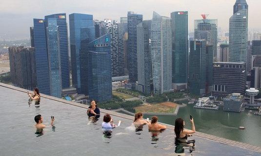 """""""แกลลัพ"""" ยก """"สิงคโปร์"""" ประเทศปลอดภัยที่สุดในโลก 3 ปีซ้อน"""