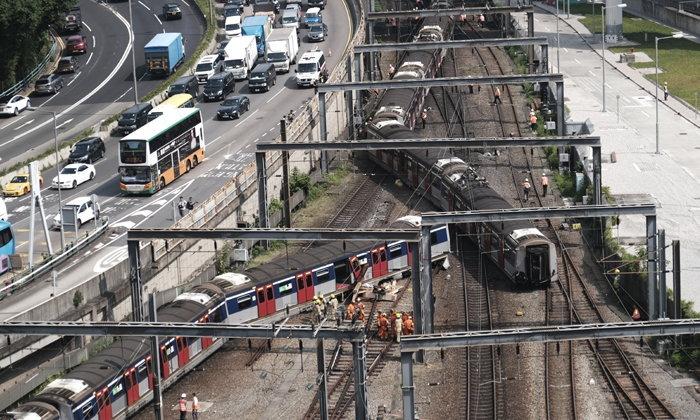 รถไฟตกรางในฮ่องกงชั่วโมงเร่งด่วน บาดเจ็บ 5 ราย