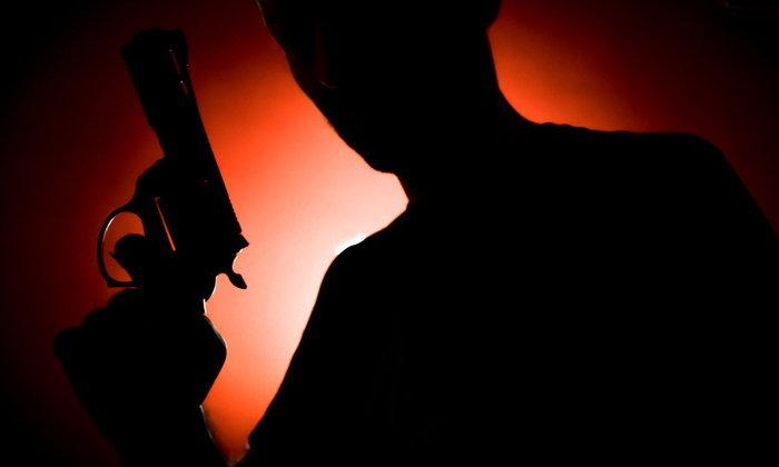 นักธุรกิจจีนจ้างวานฆ่าคู่แข่ง แต่มือปืนส่งงานกันต่ออีก 4 ทอด สุดท้ายโดนรวบยกแก๊ง
