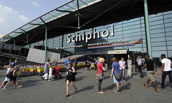 นักบินมือลั่น! กดปุ่มเตือนภัยเหตุจี้เครื่องบิน ทำสนามบินเนเธอร์แลนด์ปั่นป่วน