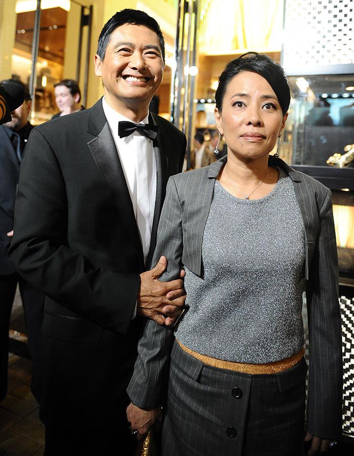โจวเหวินฟะ (ซ้าย) นางจัสมิน ถัน (ขวา)