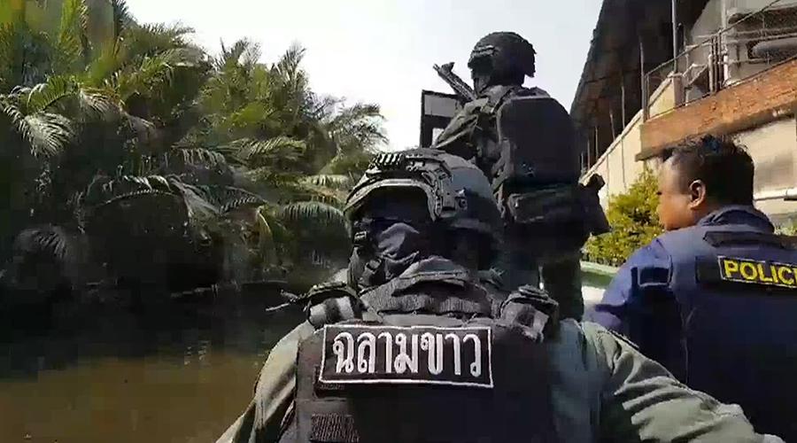 จับทหารเกณฑ์ขโมยปืน M16 จี้ชิงรถพาแฟนสาวหนี | News by The Thaiger