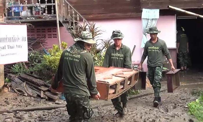 ทหารลงช่วยน้ำป่าทะลักท่วม 100 หลังคา ลำปางเสียหายขยายวงกว้าง