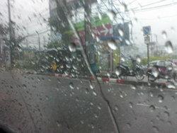 อุตุฯเตือนอีสาน-กลาง-ตอ.-ใต้ฝนฟ้าคะนองลมแรง
