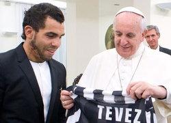 เตเวซพบพระสันตะปาปา มอบเสื้อยูเว่