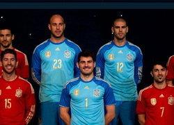 สเปนเปิดตัวชุดแข่งใหม่เสื้อ-กางเกงสีแดง