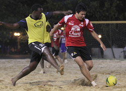 บอลชายหาดไทยอุ่นดุสอยรวมแข้งแอฟริกา6-3
