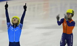 ไร้น้ำใจนักกีฬา! แข่งสเก็ตแพ้ยกนิ้วกลางให้ผู้ชนะ
