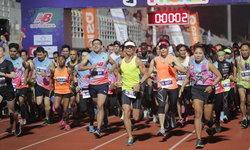 """นักวิ่งไทย-เทศ กว่า 4,000 คน ร่วมงานวิ่ง 10 ไมล์ """"ธัญญปุระภูเก็ต"""""""