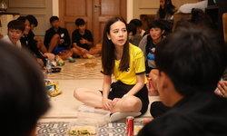 ชบาแก้ว กับปาร์ตี้ขนมและตำแตง, มาดามแป้ง ขอมอบตั๋วบอลโลกเป็นของขวัญสงกรานต์ให้คนไทย (อัลบั้ม)