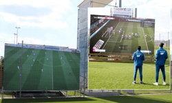 อย่างเท่! ฮอฟเฟ่นไฮม์ ติดจอยักษ์ในสนามซ้อมแถมใช้เล่นเกม FIFA ด้วย