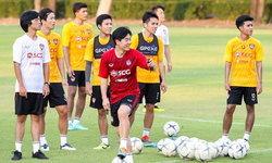 """""""สารัช"""" ยิ้มรับ """"ยุน จอง ฮวาน"""" ช่วยทำบรรยากาศในทีมดีขึ้น"""