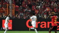 """คลิป """"ซาลาห์"""" ซัดฟรีคิกงามหยด!!! อียิปต์ อัด ยูกันดา 2-0 ฉลุยลิ่ว 16 ทีมเนชันส์คัพ"""