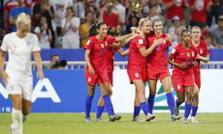 สาวสหรัฐ เชือด อังกฤษ 2-1 ทะลุชิงฟุตบอลหญิงชิงแชมป์โลก
