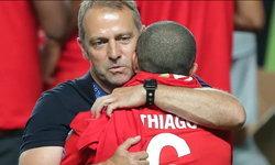 """""""ฟลิค"""" กล่าวลา """"ธิอาโก"""" ยินดีกับหงส์แดงได้สุดยอดเเข้งที่ดีเข้าร่วมทีม"""