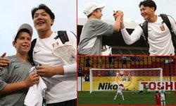ขอบใจไอ้หนู! เด็กเก็บบอลออสซี่รับเสื้อที่ระลึกจากนายทวารจีนแล้ว