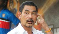 สมชายชมแข้งฮัลโหลวินัยยอดเกมรับเยี่ยมพาทีมฟอร์มเทพ